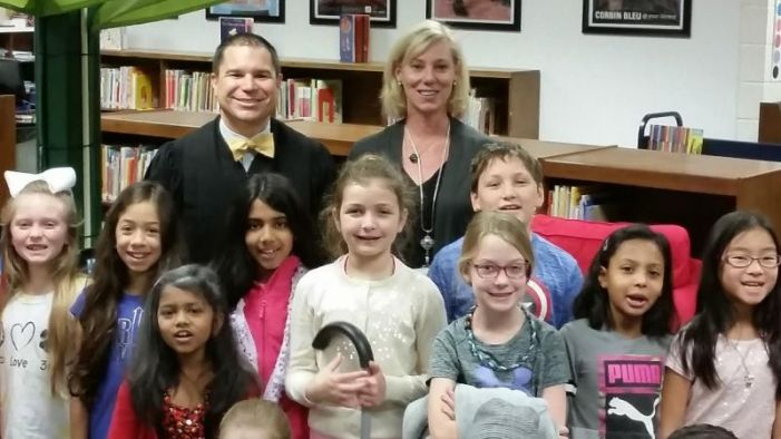 Judge visits Peachtree City Elementary School