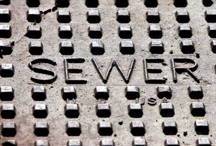 Should Peachtree City sell sewer, or not?