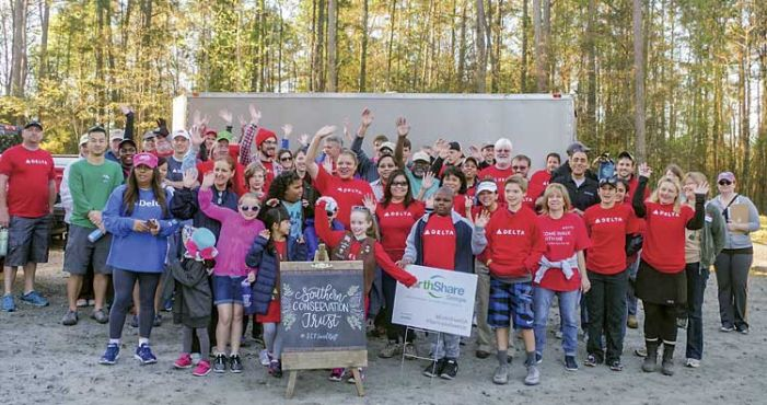 Volunteers get Peachtree City nature area ready for big opening