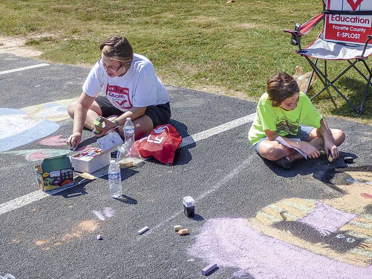 news_100417_tyrone-founders-chalk-art_color