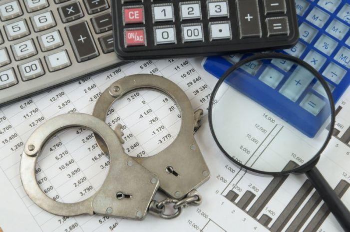 Former athletic director gets probation, fine for 2013 financial crimes