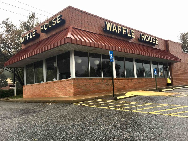 Gingercake Waffle House open for business despite loss of power. Photo/Joyce Beverly.